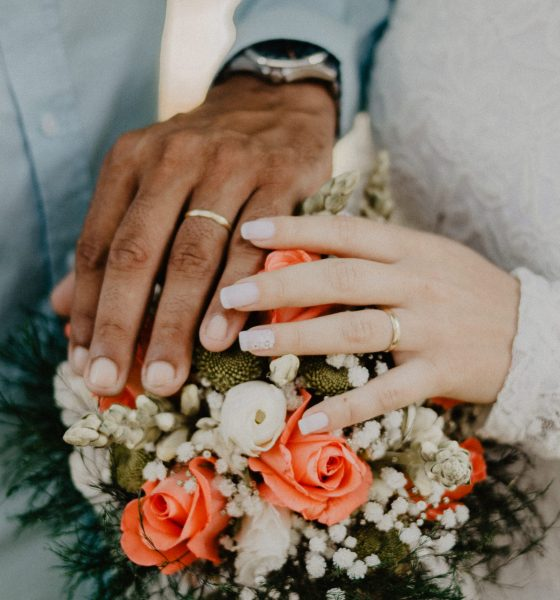 How to Ask for her Hand in Marriage if it's the Right Time