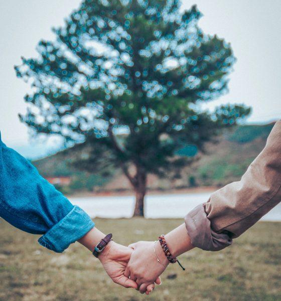 The Art of Saying Sorry: 5 Tips for Repairing Burned Bridges