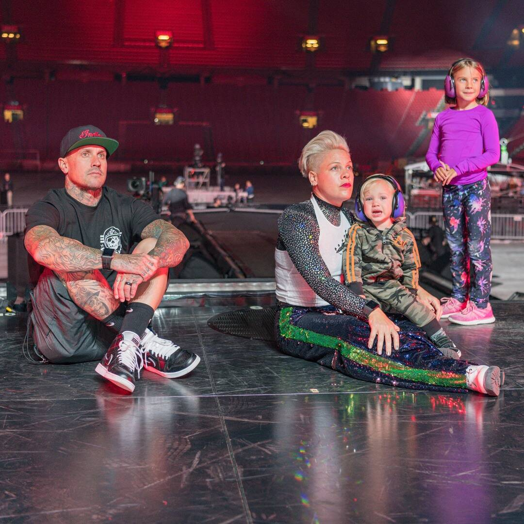 pink's-priceless-video-from-willow's-10th-birthday-shows-exactly-how-it-feels-to-have-a-younger-brother