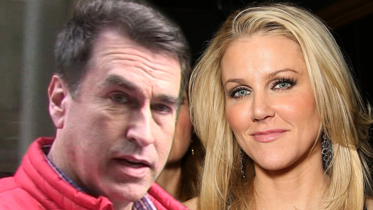 rob-riggle-claims-estranged-wife-spied-on-him-at-home-with-hidden-camera