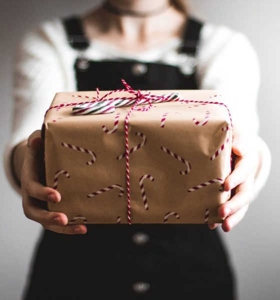 Love Matters: Here's How To Select A Perfect Gift For Your Spouse
