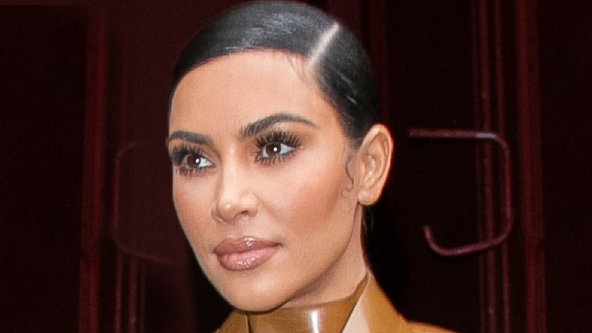 kim-kardashian's-new-look-for-kkw-beauty-could-be-new-'skkn'-trademark