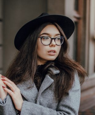 tips on picking the right style of eye glasses