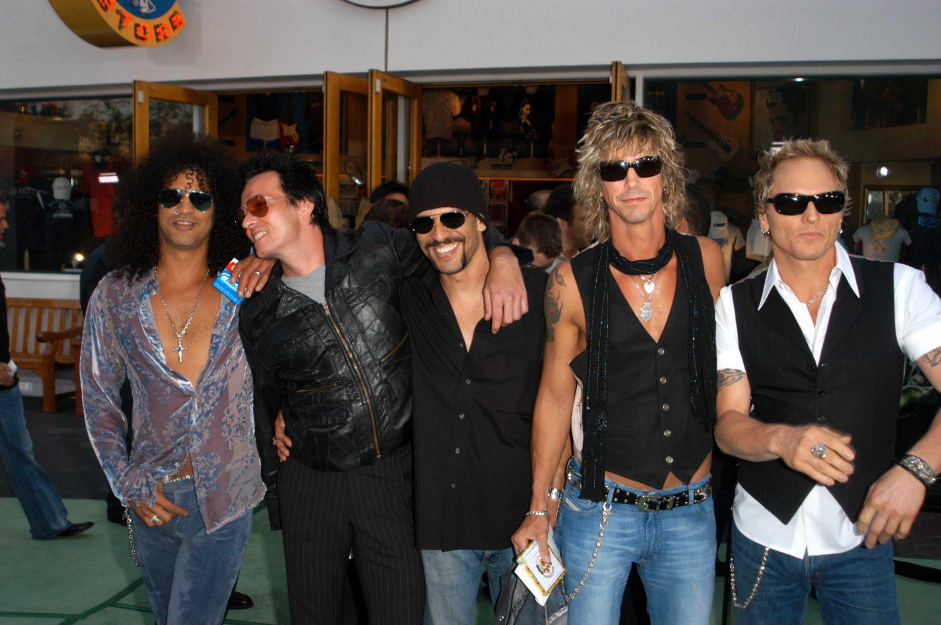 Slash, Scott Weiland, Dave Kushner, Duff McKagan and Matt Sorum