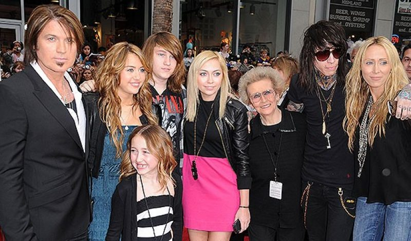 Billy Ray Cyrus' Kids: Everything To Know About The Country Star's 6 Children