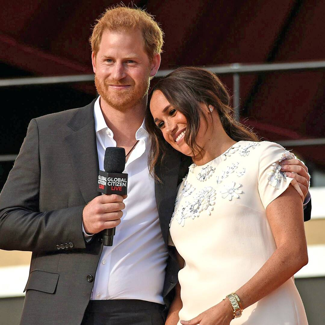 prince-harry-and-meghan-markle-look-absolutely-in-love-at-the-global-citizen-live-event
