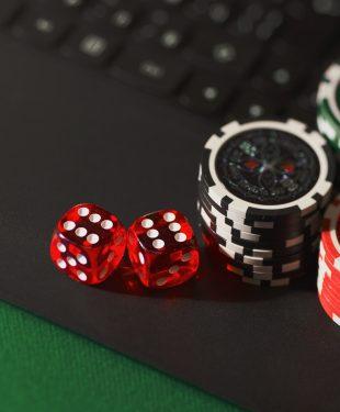 dice, chips, online gambling