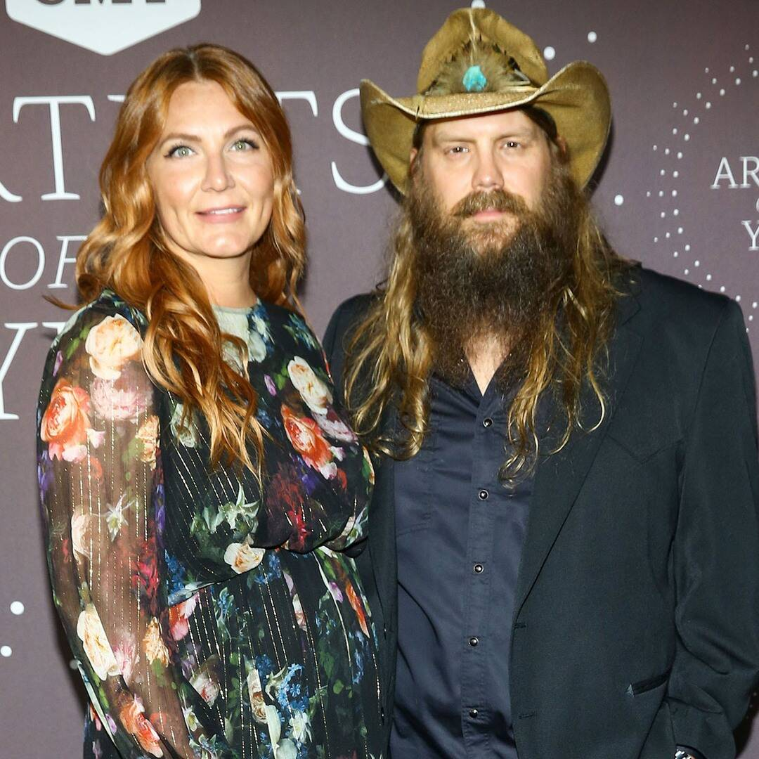 cmt-artists-of-the-year-2021-red-carpet-fashion:-see-every-look-as-the-stars-arrive