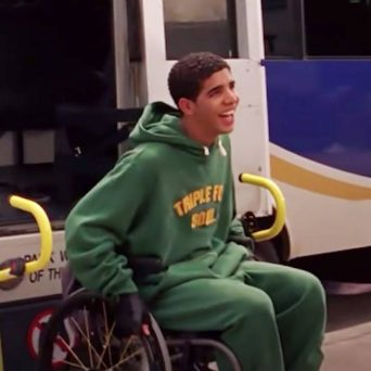 """degrassi-writer-says-drake-almost-left-the-show-unless-his-character-got-""""out-of-the-wheelchair"""""""