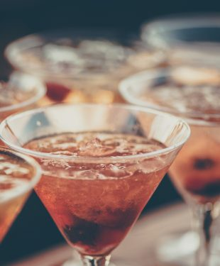 tips to keep your cocktail party stylish